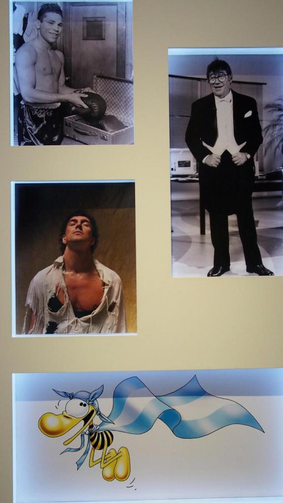 Галерея кумиров - балетный танцор Хулио Бокка (в белой разорванной рубашке)