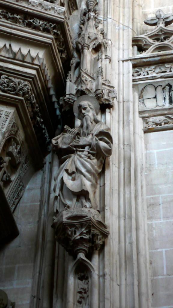 Монастырь Сан Хуан де лос Рейес, статуя