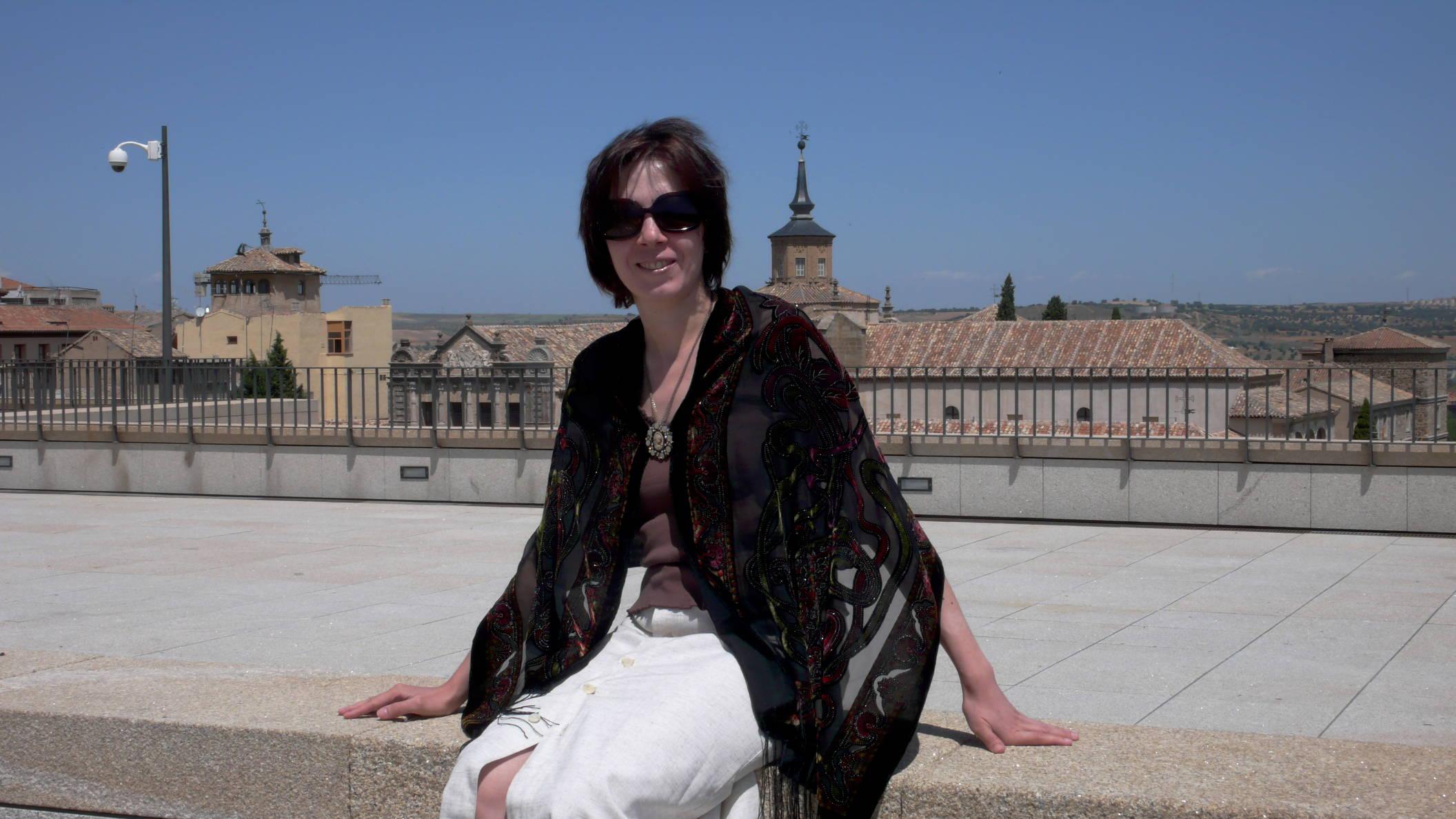 За спиной - Алькасар, главный замок Толедо