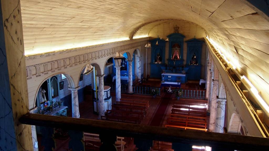 Церковь в Нерконе - интерьер с балкона