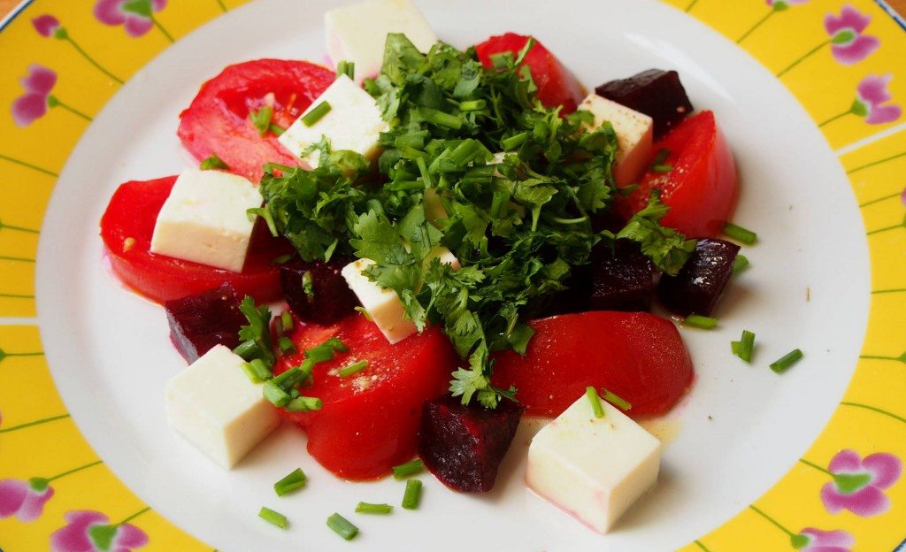 Салат из свеклы с козим сыром