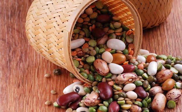 Бобовые на любой вкус и цвет! Горох (зеленый колотый и желтый), фасоль разных сортов (белая, красная, черная, пятнистая, гигантская), чечевица (красная и зеленая), нут, маш.